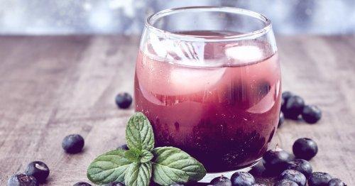 Blueberry Gin: Sommerlicher Trenddrink mit nur 3 Zutaten! | desired.de