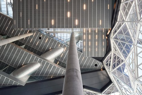 Hohe Strahlkraft: Atriumbeleuchtung im Axel-Springer-Neubau in Berlin