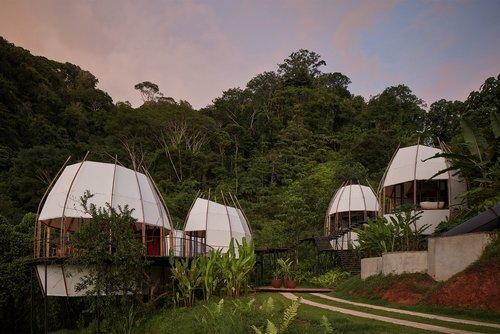 Kokos-Kokons: Ferienresort in Costa Rica von Archwerk und Formafatal