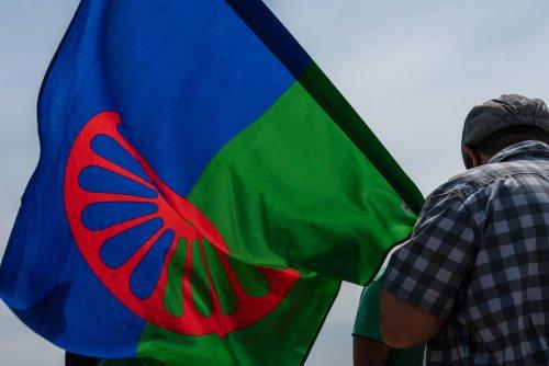 Zurück zum Thema | Internationaler Roma Tag – Wie kämpfen Sinti und Roma für Gleichberechtigung? | detektor.fm – Das Podcast-Radio
