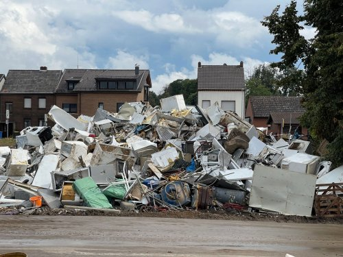 Zurück zum Thema | Nach der Flutkatastrophe – Ist der Wiederaufbau machbar? | detektor.fm – Das Podcast-Radio