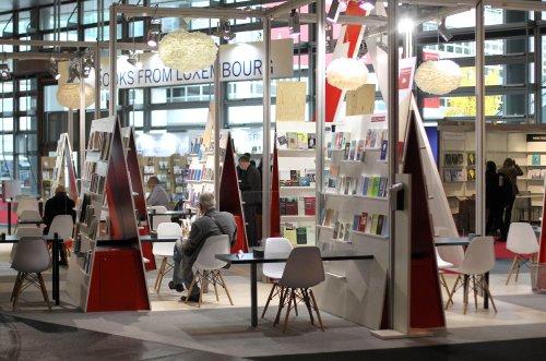 Zurück zum Thema | Buchmesse 2021 – Was bleibt von der Frankfurter Buchmesse? | detektor.fm – Das Podcast-Radio