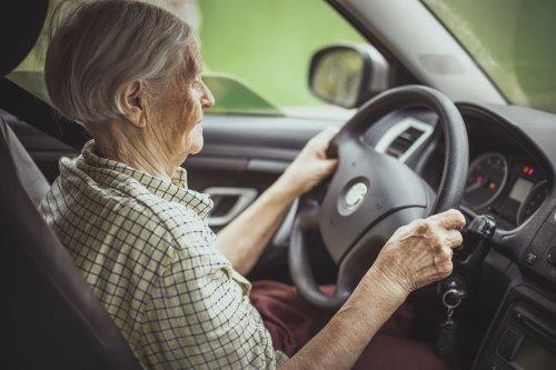 AutoMobil | Senioren – Sollten Senioren bis ins hohe Alter Auto fahren? | detektor.fm – Das Podcast-Radio