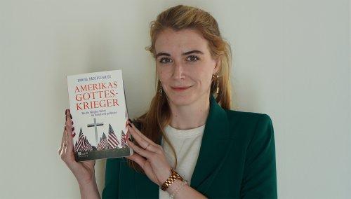 """N99   Annika Brockschmidt über die Religiöse Rechte in den USA – """"Was viele unterschätzen ist die Macht von Demonstrationen""""   detektor.fm – Das Podcast-Radio"""
