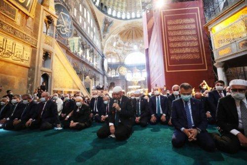 Islam in der TürkeiViele Moscheen, wenige Gläubige