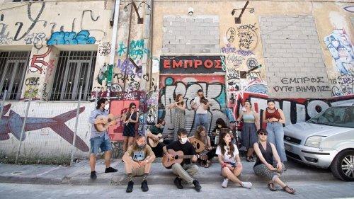 Kampf um das selbstverwaltete Embros-Theater in Athen