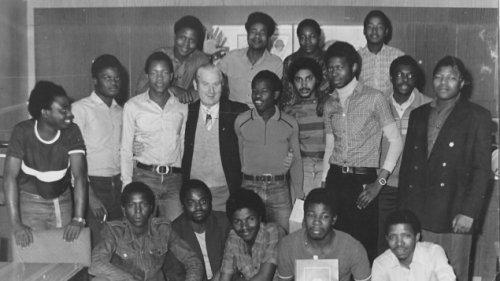 Mosambikanische Vertragsarbeiter in der DDR - Getäuscht, ausgenutzt – und nicht entschädigt