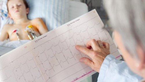 Herzkranke Kinder - Dem Herz wird geholfen, der Psyche kaum