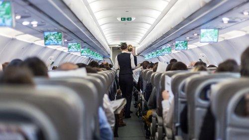 Coronainfizierter verkleidet sich für Flug als Ehefrau