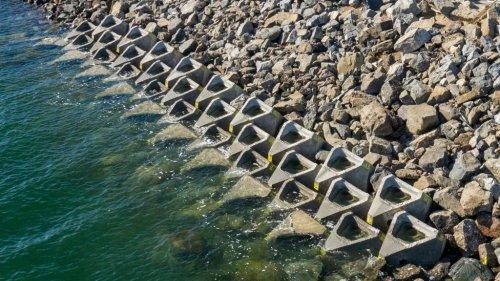 Man-made rock pools at San Diego Bay waterfront double as coastal defences