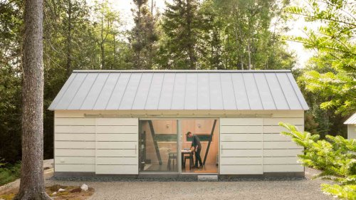 Maine studio 30X40 Design Workshop builds own home office cabin