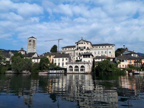 Isola San Giulio: Ein Highlight am Lago d'Orta - Die bunte Christine