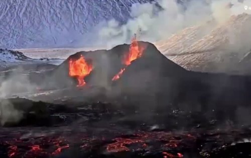 Here's A Mesmerizing Time Lapse Of The Fagradalsfjall Volcano In Iceland Over 18-Days - Digg
