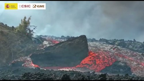 Watch Two Gigantic Boulders Defy Our Conceptions Of Gravity By Floating Away On Lava