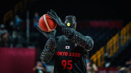 Creepy Humanoid Robot Sinks Two Perfect Shots During Halftime At Tokyo Olympics Basketball Game - Digg