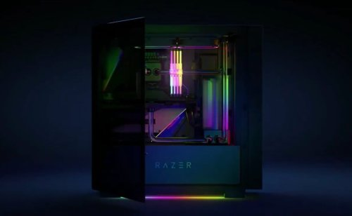 You can now buy a prebuilt Razer gaming desktop, courtesy of Maingear