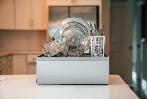 Heatworks Tetra is a self-contained, no plumbing needed countertop dishwasher