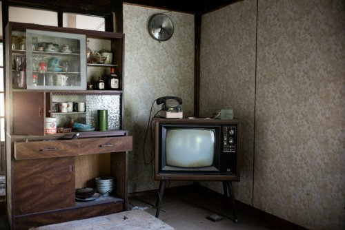 Eerily beautiful photos highlight how TV tech has changed