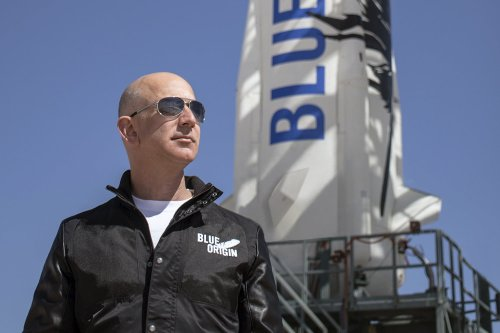 Watch Jeff Bezos prompt chuckles in 2000 interview about going to space