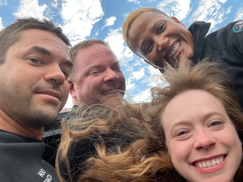 SpaceX all-civilian crew took this out-of-this-world selfie