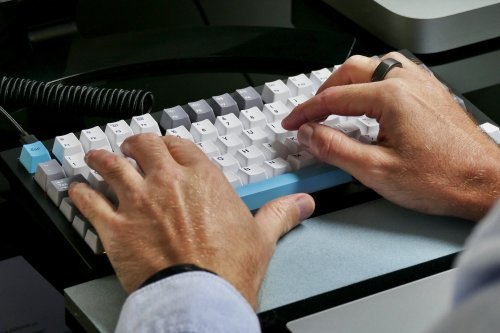 Keyboard or pen and paper? Here's what science says is better for taking notes