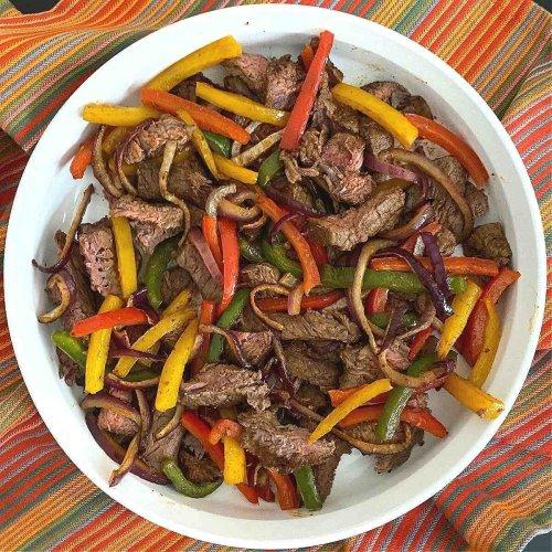 Air Fryer Steak Fajitas - Low-carb Recipe and Serving Ideas