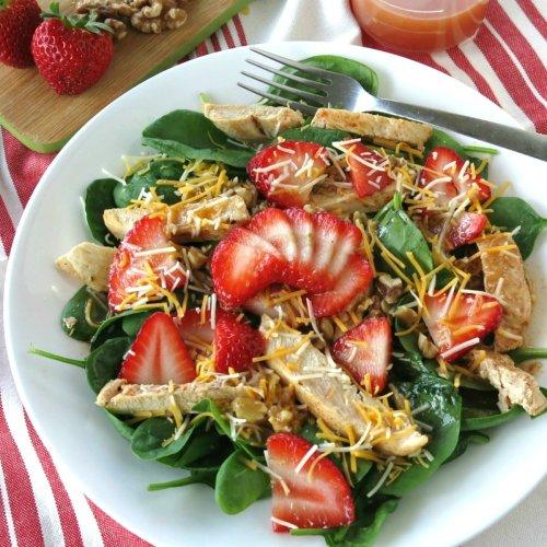 Spinach Strawberry Walnut Salad with Chicken