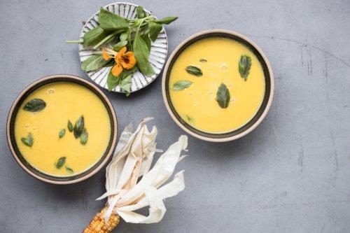 Samtige Maissuppe mit Safran und Basilikum - Dinner um Acht