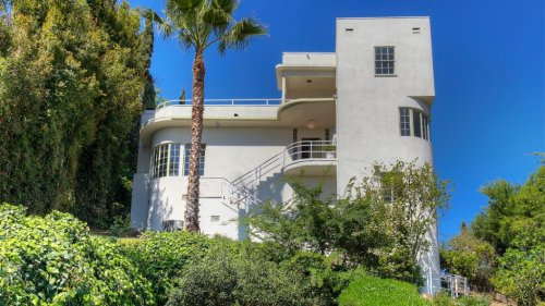 This Streamline Moderne Silver Lake Home is a $2 Million Time Capsule
