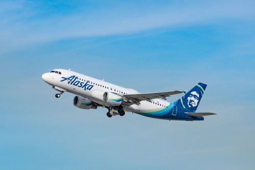 Alaska Airlines Threatens To Eject Woman From Flight For Bizarre Reason