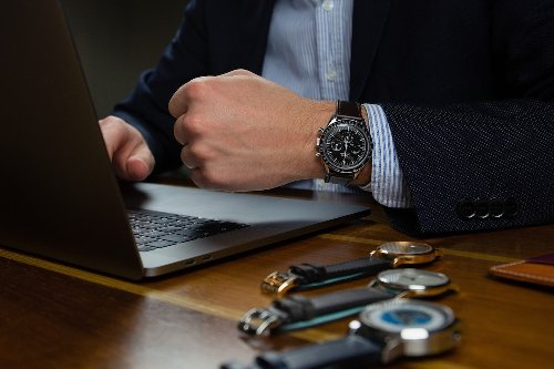 The One Place You Should Never Buy A Luxury Watch Online