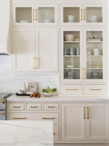 Cream-Colored Cabinets Is the Dose of Warmth Your Kitchen Needs