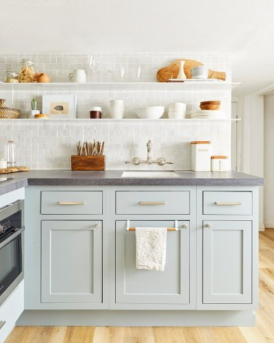 The Best Kitchen Cabinet Handles Act Like Earrings for Your Space