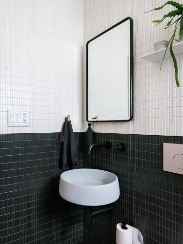 The Layout Tweak That Made This 27-Square-Foot Bathroom Feel Less Mini