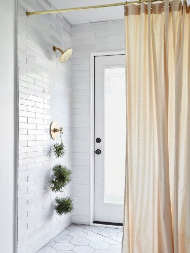 We Could All Use This Calming Bathroom Upgrade (No, It's Not Eucalyptus)