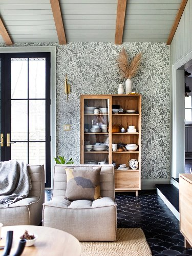 Scrap Wood Doors and a School Chalkboard Backsplash—This Lodge Is an Ode to Salvaging
