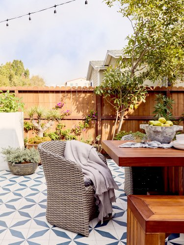 This Revamped L.A. Backyard Shouts Pure Summer (And There's Not a Pool in Sight)