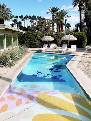 Some Homeowners Paint Their Siding—These People Painted Their Pools