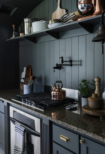 Homeowners Agree: This Dated Countertop Material One-Ups Trendy Quartz