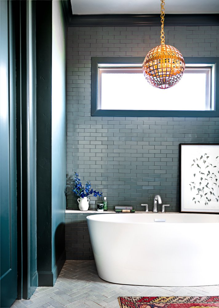 Glossy Tiles and a Lick of Teal Paint Give This Bathroom a Dose of Attitude