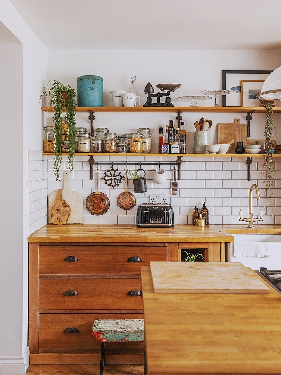 After Finding Victorian Cabinets in an Antiques Shop, Everything Fell Into Place