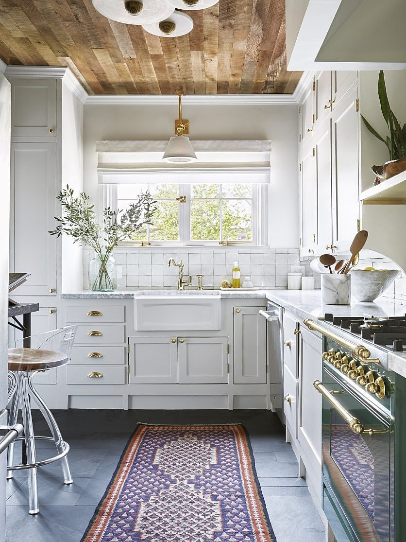 We're Demystifying How to Find the Best Paint for Kitchen Cabinets