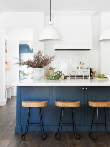 41% of Homeowners Are Trying This Designer-Approved Kitchen Paint Idea