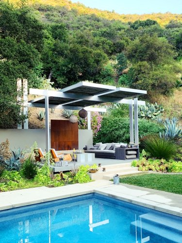 Brad Pitt's Landscape Designer Knows How to Get a Sophisticated Yard on Budget