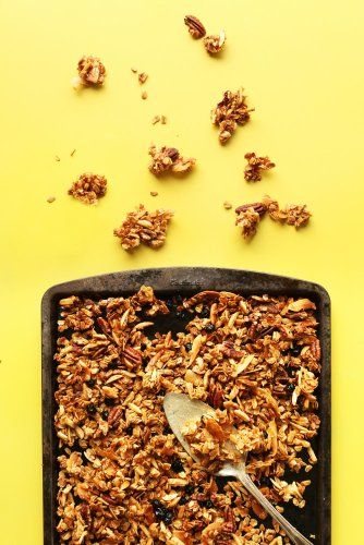 Chow Down: 12 Healthy Snacks for When You Need a 4 pm Refuel