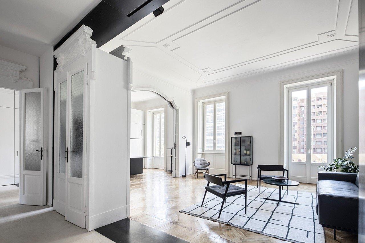 Un appartamento a Milano ristrutturato per lo smart working