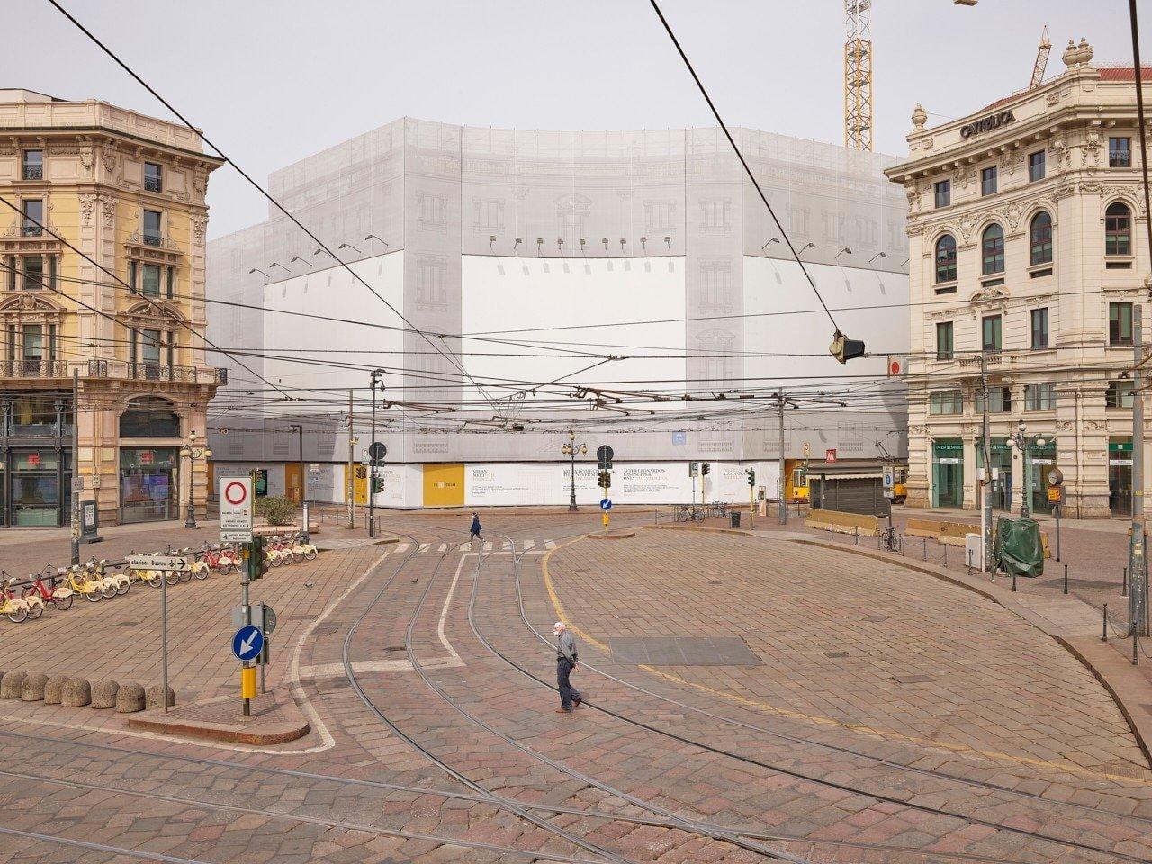 Le foto dei cartelloni vuoti di Milano di Giovanni Hänninen