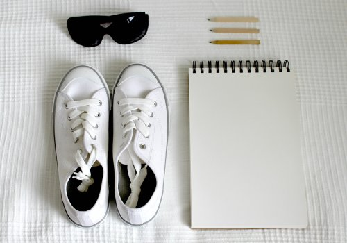 5 semplici trucchi per pulire al meglio le scarpe bianche | Donnaweb.net
