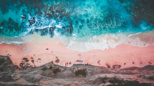 These pink beaches are places for the perfect getaway. Know the reason behind this alluring pink color.