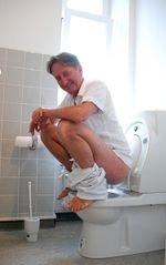 """""""Sitzen macht krank"""": Wie ein Arzt alle Stühle aus seinem Leben verbannt"""
